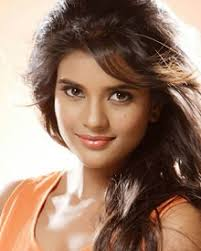 Actress Aishwarya Rajesh Contact Details, House Address, Family, Social Pages