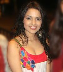 Actress Chitrashi Rawat Contact Details, Whatsapp/Mobile Number, House Address, Email