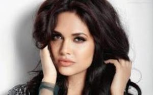 Actress Esha Gupta Contact Details, Residence House Address, Social Accounts