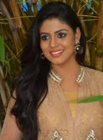Actress Iniya Contact Details, Residence Address, Email, Blog, Biography
