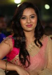 Actress Isha Chawla Contact Details, Residence House Address, Social Network