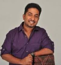 Singer Vineeth Sreenivasan Contact Details, Residence Address, Blog, Social