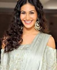 Actress Amyra Dastur Contact Details, Current House Address, IDs