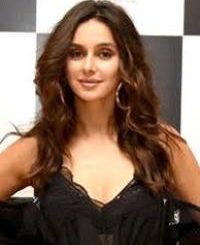 Singer Shibani Dandekar Contact Details, Social Profiles, House Address, Email