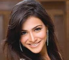 Actress Humaima Malick Contact Details, Social Media, Current Address, Bio Info