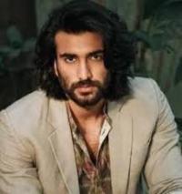 Actor Meezaan Jaffrey Contact Details, House Location, Social Profiles