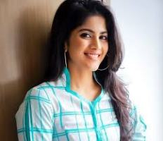 Actress Megha Akash Contact Details, Current Location, Social Pages, Biodata