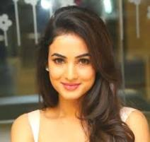 Model Sonal Chauhan Contact Details, Social Profiles, House Location