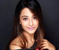 Actress Ariah Agarwal Contact Details, Social Pages, Current Address