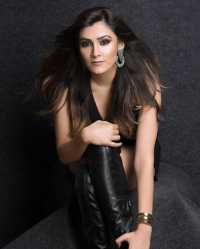 Singer Aastha Gill Contact Details, Mobile No, Current City, Email, Social ID