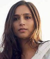 Actress Zoya Hussain Contact Details, Home Address, Biography, Social IDs